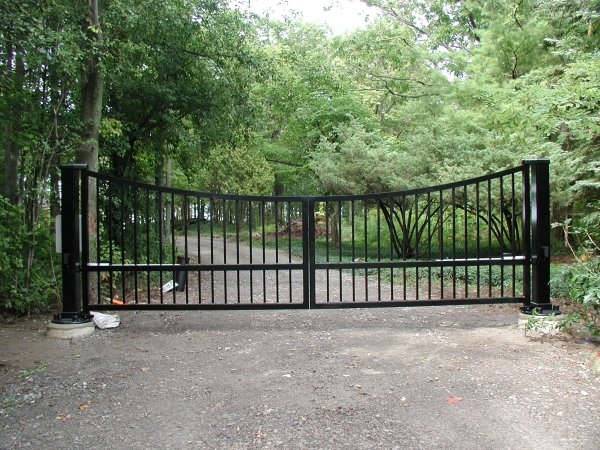 Swinging Gates & Operators, Automatic Swinging Residential Driveway Gate operator openers