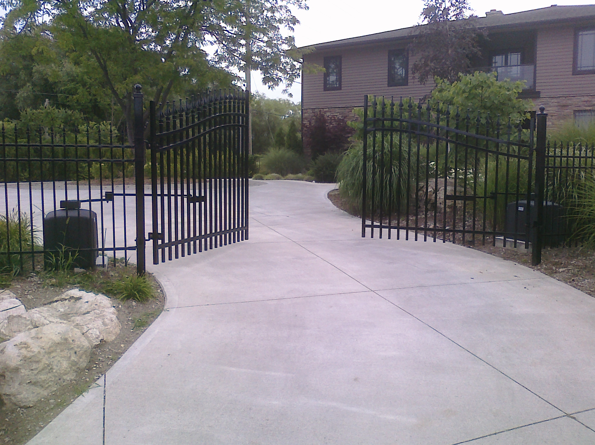 Automatic Swinging Residential Driveway Gate operator openers, Swinging Gates & Operators